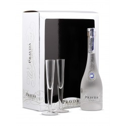 Degvīns Pravda Gift Set + Shot Glasses 40  0.7 L